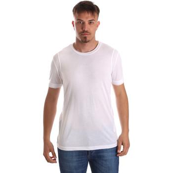 Υφασμάτινα Άνδρας T-shirt με κοντά μανίκια Gaudi 911FU64005 λευκό