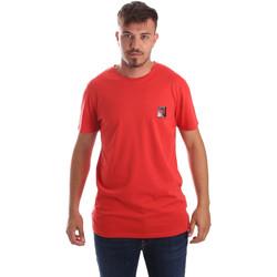 Υφασμάτινα Άνδρας T-shirt με κοντά μανίκια Byblos Blu 2MT0010 TE0045 το κόκκινο