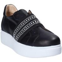 Παπούτσια Γυναίκα Slip on Exton E05 Μαύρος