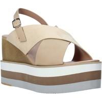 Παπούτσια Γυναίκα Σανδάλια / Πέδιλα Onyx S20-SOX758 Μπεζ