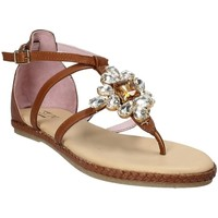 Παπούτσια Γυναίκα Σανδάλια / Πέδιλα Stonefly 110497 καφέ