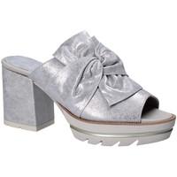 Παπούτσια Γυναίκα Τσόκαρα CallagHan 22601 Γκρί