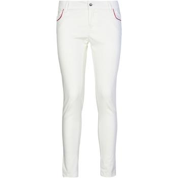 Υφασμάτινα Γυναίκα Παντελόνια Chino/Carrot Café Noir JP235 λευκό