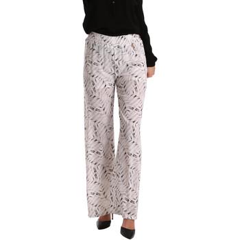 Υφασμάτινα Γυναίκα Παντελόνες / σαλβάρια Gaudi 73BD25224 λευκό