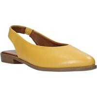 Παπούτσια Γυναίκα Σανδάλια / Πέδιλα Bueno Shoes 9N0102 Κίτρινος