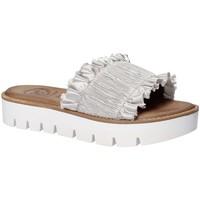 Παπούτσια Γυναίκα Τσόκαρα 18+ 5812 Γκρί
