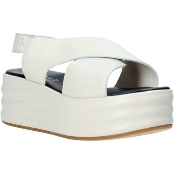 Παπούτσια Γυναίκα Σανδάλια / Πέδιλα Café Noir GG426 Μπεζ