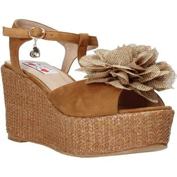 Παπούτσια Γυναίκα Σανδάλια / Πέδιλα Love To Love GIN575 καφέ
