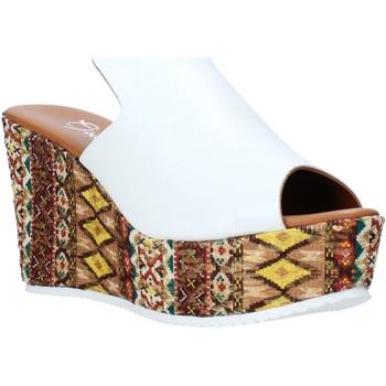 Παπούτσια Γυναίκα Τσόκαρα Grace Shoes 11 λευκό