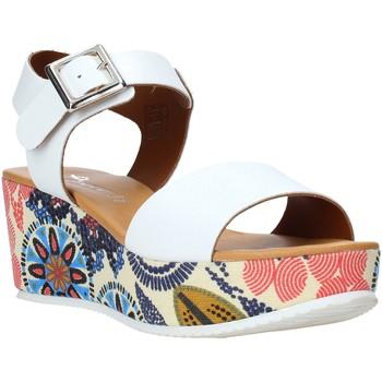 Παπούτσια Γυναίκα Σανδάλια / Πέδιλα Grace Shoes 11 το κόκκινο