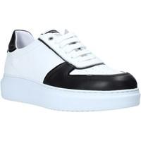 Παπούτσια Άνδρας Χαμηλά Sneakers Exton 956 Μαύρος