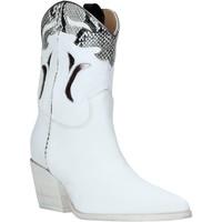 Παπούτσια Γυναίκα Μποτίνια Mally 6918P λευκό