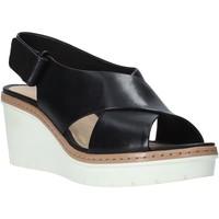 Παπούτσια Γυναίκα Σανδάλια / Πέδιλα Clarks 26141167 Μαύρος
