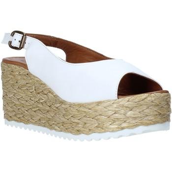 Παπούτσια Γυναίκα Σανδάλια / Πέδιλα Bueno Shoes N3603 λευκό