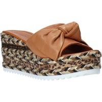 Παπούτσια Γυναίκα Τσόκαρα Bueno Shoes N3604 καφέ