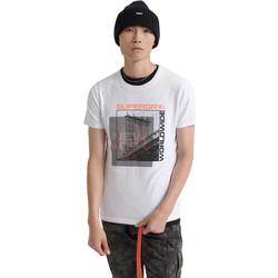 Υφασμάτινα Άνδρας T-shirt με κοντά μανίκια Superdry M1000047A λευκό