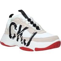 Παπούτσια Γυναίκα Χαμηλά Sneakers Calvin Klein Jeans B4R0869 λευκό