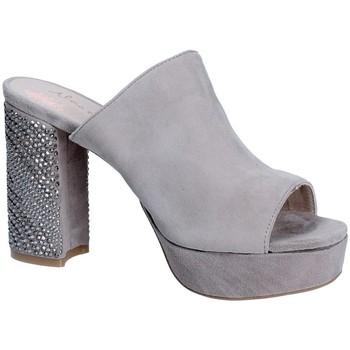 Παπούτσια Γυναίκα Τσόκαρα Alma En Pena V18256 Γκρί