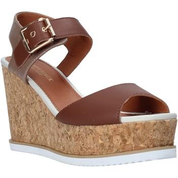 Παπούτσια Γυναίκα Σανδάλια / Πέδιλα Lumberjack SW83106 001 Q85 καφέ
