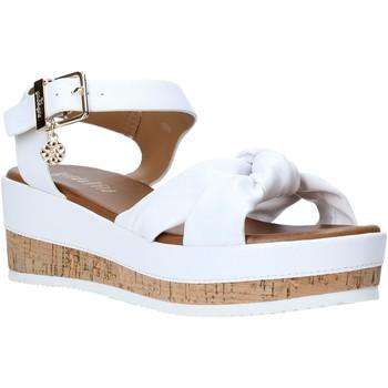 Παπούτσια Γυναίκα Σανδάλια / Πέδιλα Gold&gold A20 GJ272 λευκό