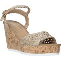 Παπούτσια Γυναίκα Σανδάλια / Πέδιλα Gold&gold A20 GJ263 Μπεζ