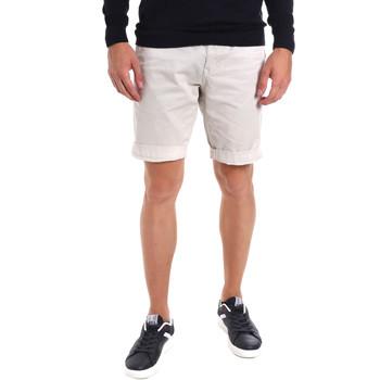 Shorts & Βερμούδες Gaudi 011BU25023WC