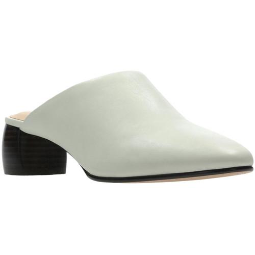 Παπούτσια Γυναίκα Σαμπό Clarks 26139384 λευκό