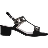 Παπούτσια Γυναίκα Σανδάλια / Πέδιλα Comart 083307 Μαύρος