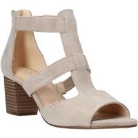 Παπούτσια Γυναίκα Γόβες Clarks 26141571 Μπεζ