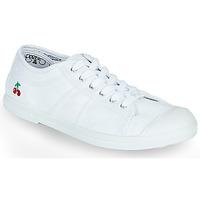 Παπούτσια Γυναίκα Χαμηλά Sneakers Le Temps des Cerises BASIC LACE Άσπρο
