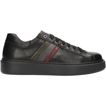 Xαμηλά Sneakers Exton 888