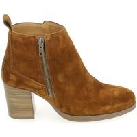Παπούτσια Γυναίκα Χαμηλές Μπότες TBS Rosalia Cognac Brown