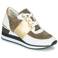 Παπούτσια Γυναίκα Χαμηλά Sneakers Karston SILMON Άσπρο / Gold