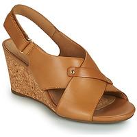 Παπούτσια Γυναίκα Σανδάλια / Πέδιλα Clarks MARGEE EVE Beige