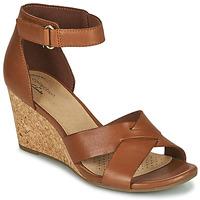 Παπούτσια Γυναίκα Σανδάλια / Πέδιλα Clarks MARGEE GRACIE Brown