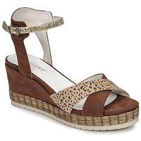 Παπούτσια Γυναίκα Σανδάλια / Πέδιλα Regard DOUAI Brown