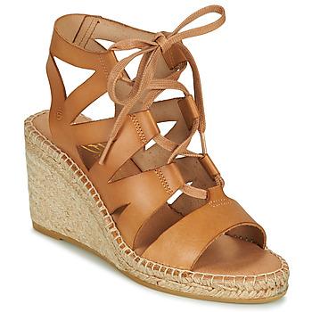 Παπούτσια Γυναίκα Σανδάλια / Πέδιλα Betty London OTANA Camel