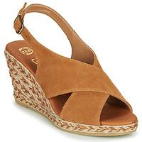 Παπούτσια Γυναίκα Σανδάλια / Πέδιλα Betty London OHINDRA Cognac