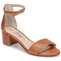 Παπούτσια Γυναίκα Σανδάλια / Πέδιλα Betty London OLAKE Camel