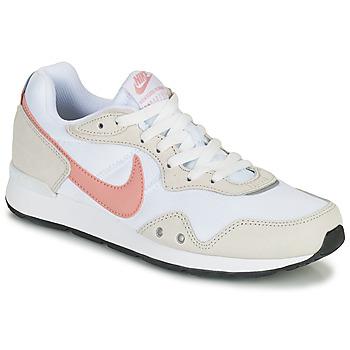 Παπούτσια Γυναίκα Χαμηλά Sneakers Nike NIKE VENTURE RUNNER Άσπρο / Ροζ