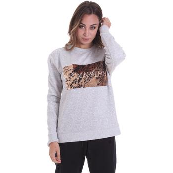 Υφασμάτινα Γυναίκα T-shirt με κοντά μανίκια Calvin Klein Jeans K20K202455 Γκρί