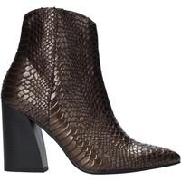 Παπούτσια Γυναίκα Μποτίνια Grace Shoes 724K004 καφέ