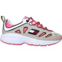 Παπούτσια Γυναίκα Χαμηλά Sneakers Tommy Hilfiger EN0EN00935 λευκό