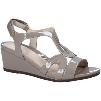 Παπούτσια Γυναίκα Σανδάλια / Πέδιλα Stonefly 110241 καφέ