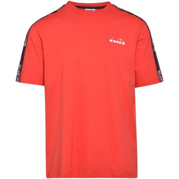 Υφασμάτινα Άνδρας T-shirt με κοντά μανίκια Diadora 502176429 το κόκκινο