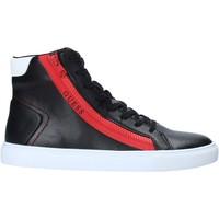 Παπούτσια Άνδρας Σανδάλια / Πέδιλα Guess FM5LHI LEA12 Μαύρος