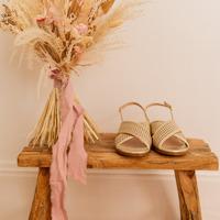 Παπούτσια Γυναίκα Σανδάλια / Πέδιλα Céleste ORANGER Gold