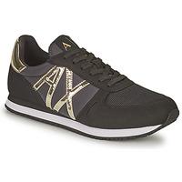 Παπούτσια Γυναίκα Χαμηλά Sneakers Armani Exchange HALOISE Black / Gold
