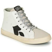 Παπούτσια Γυναίκα Ψηλά Sneakers Le Temps des Cerises AUSTIN Άσπρο