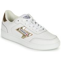 Παπούτσια Γυναίκα Χαμηλά Sneakers Le Temps des Cerises FLASH Άσπρο / Gold